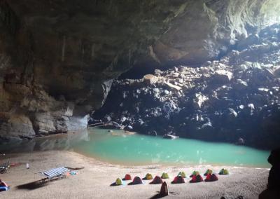 acampamento-oxalis-hang-en-cave-camp