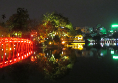 ha-noi-a-noite-night-lake