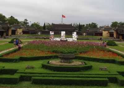jardim-citadela-imperial-hue-citadel