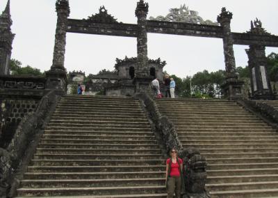 khai-dinh-stairs-hue