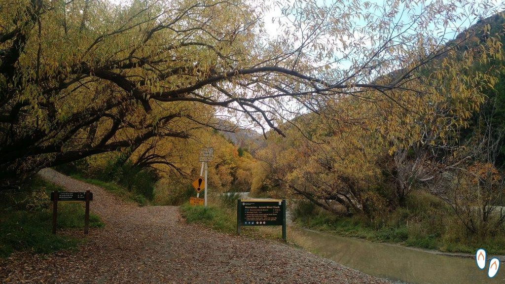 trilha para Macetown