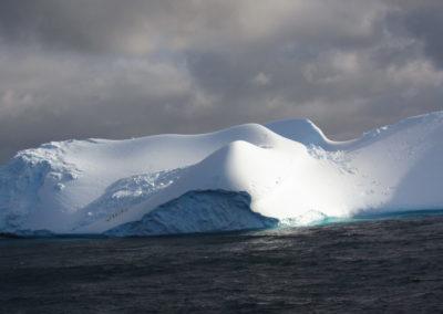 antartida-iceberg-gigante
