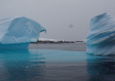 esculturas-glaciares-antartida-pleneau-bay-copy-0