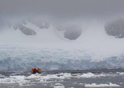 passeios-na-antartida-peterman-island