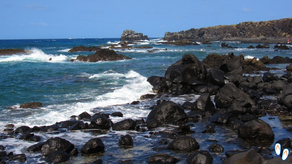Pedras vulcânicas em Fernando de Noronha